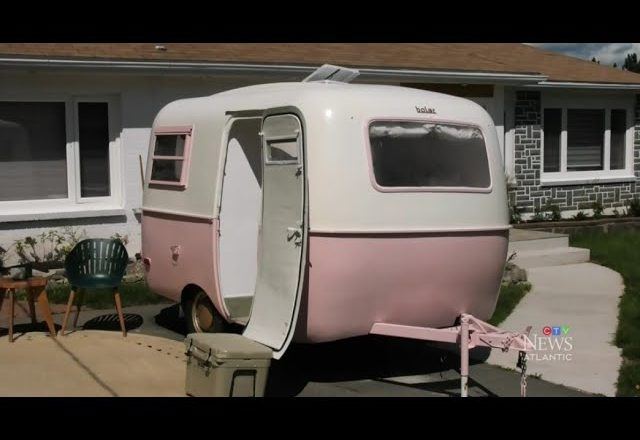 'DIY Mom' in N.S. turns this old trailer into dream vacation space 1