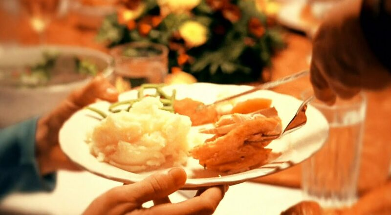 How to safely celebrate Thanksgiving with family and friends 1