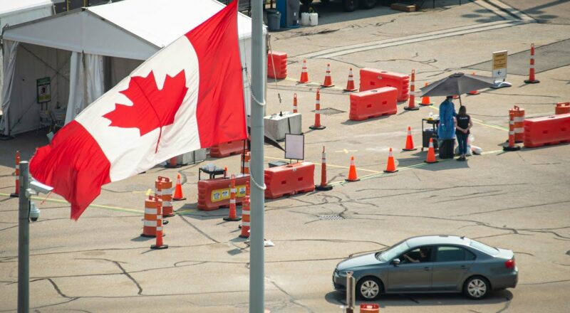 What should Canadians know before travelling to the U.S.? 9
