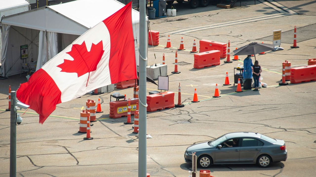 What should Canadians know before travelling to the U.S.? 3