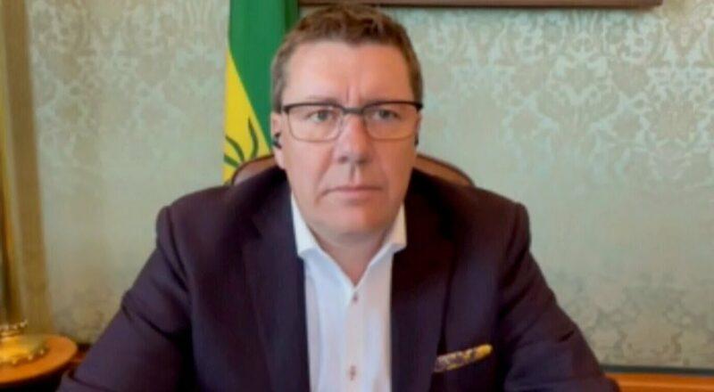 Sask. Premier Scott Moe defends handling of COVID-19 as ICUs remain overwhelmed 1
